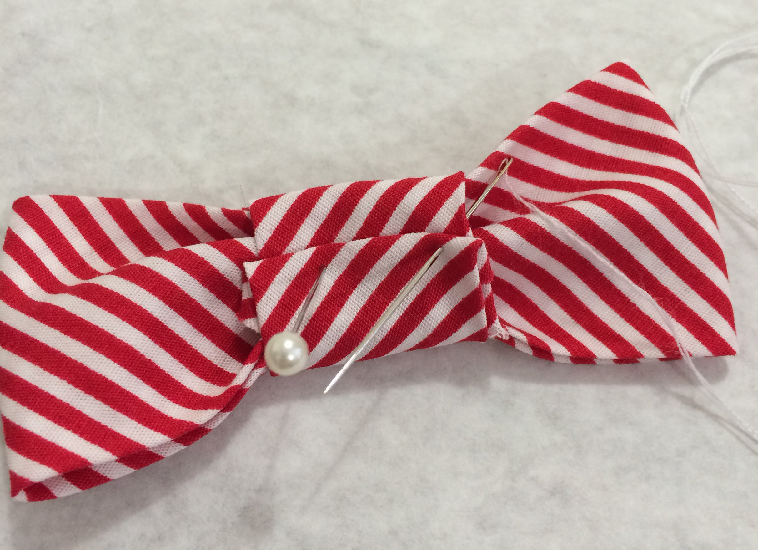 "40 Satin Polka Dot Bow Tie 6//8/"" Fabric Applique//pink//red//black//blue//trim H432"